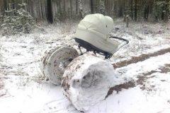 Снежные забавы родителей...
